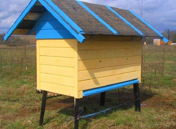 Wie macht man einen Bienenstock für die eigenen Bienen?
